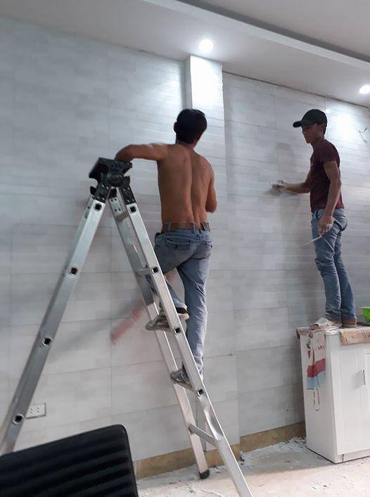 Thợ ốp lát gạch phòng khách, ốp lát ở chung cư tại Thanh Xuân